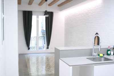 Refurbished apartment in the historic part of Barcelona